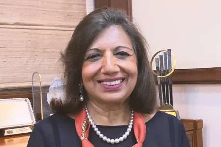 Photographic portrait of Dr. Kiran Mazumdar-Shaw