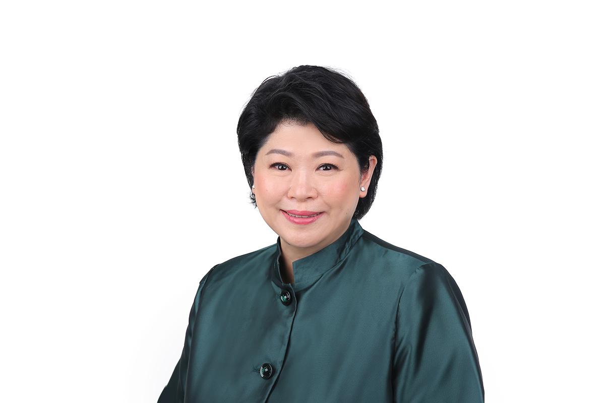 A photographic portrait of Susan Chong
