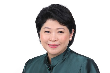 Photographic portrait of Susan Chong