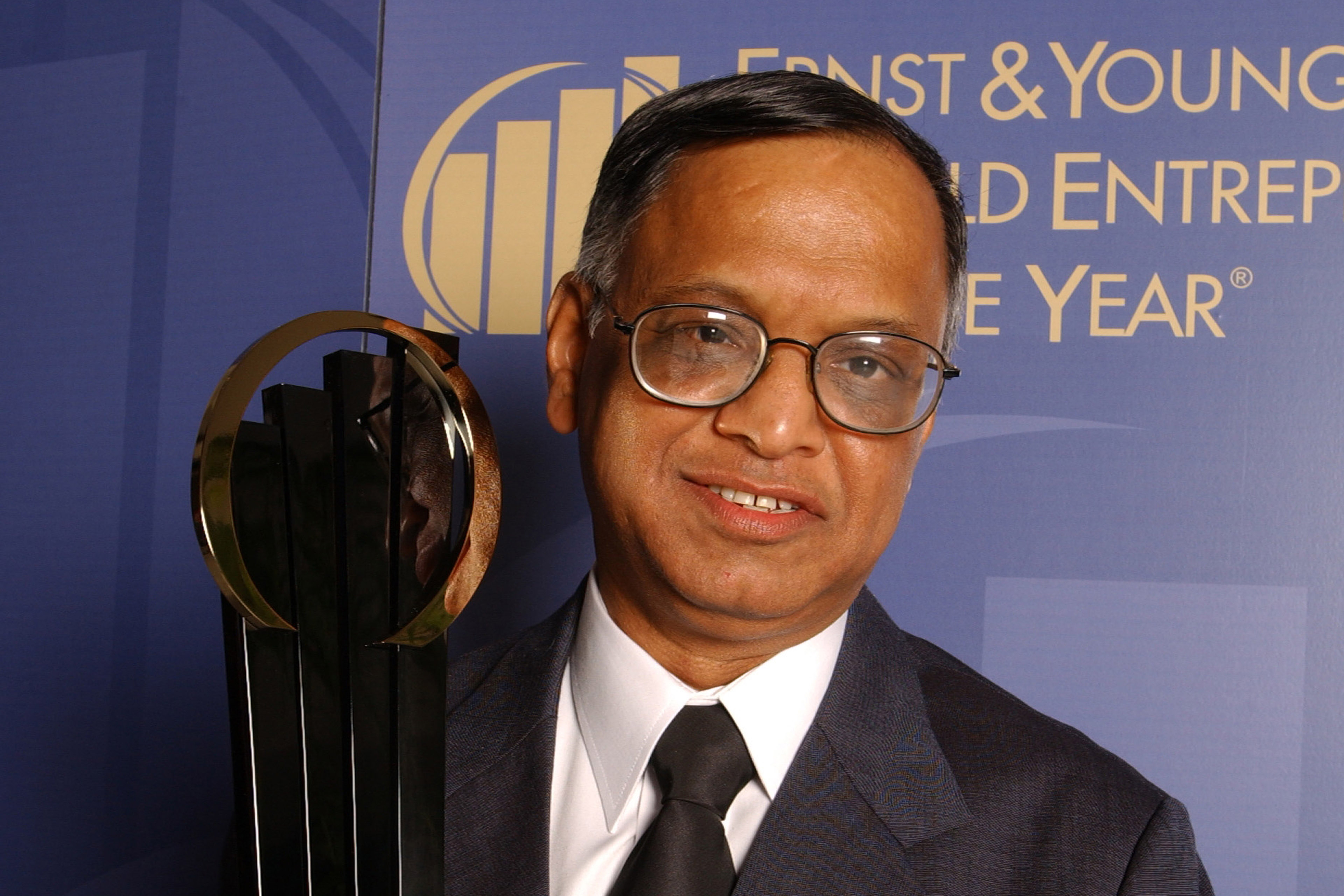 A photographic portrait of Narayana Murthy