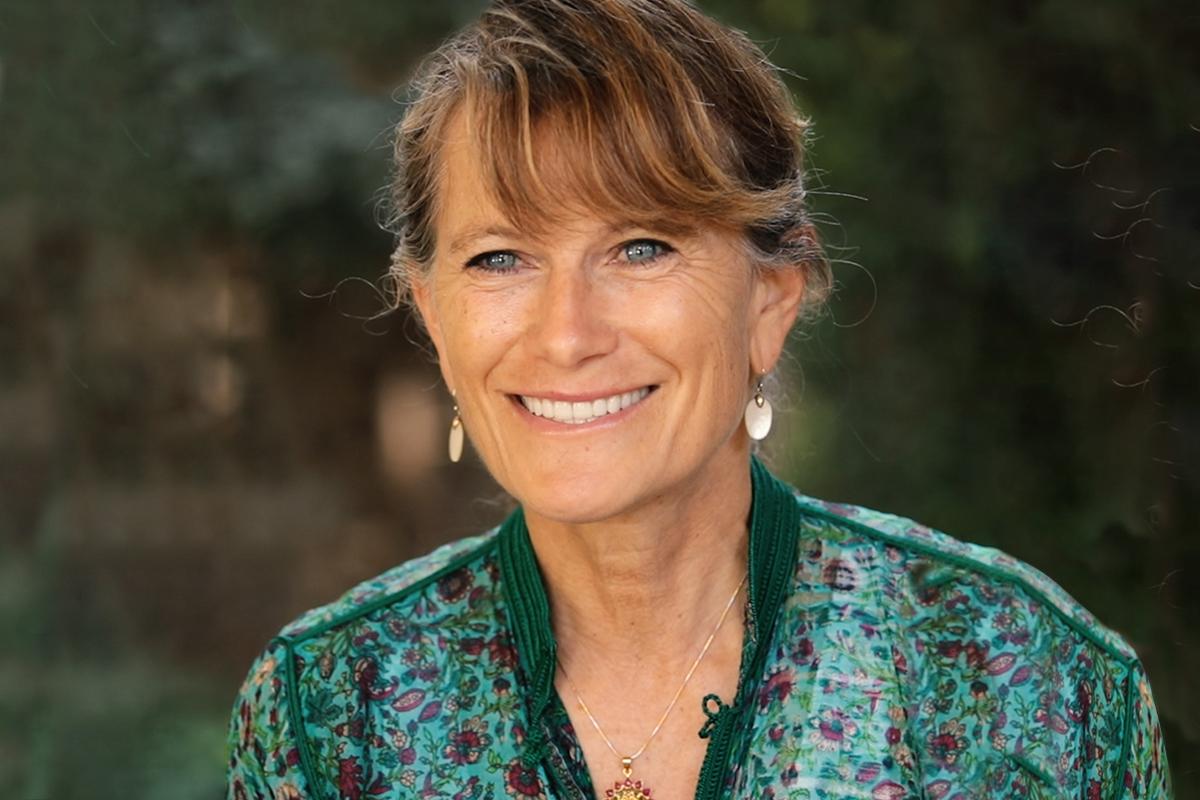 A photographic portrait of Jacqueline Novogratz