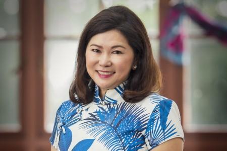 Photographic portrait of Gim Choo Ng