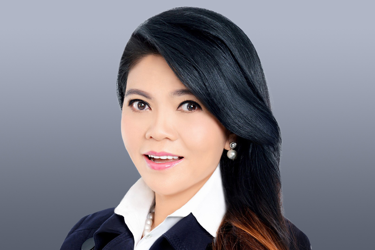 Photographic portrait of Jocelyn Chng