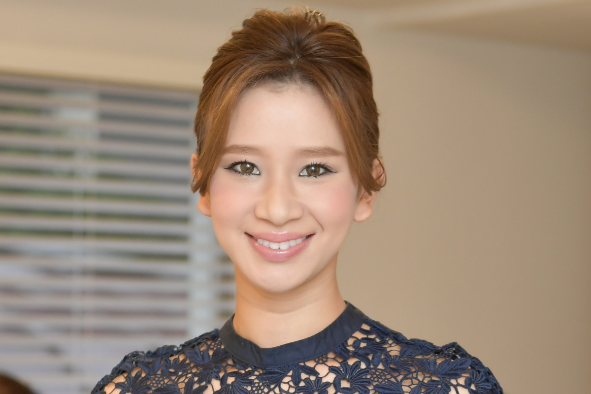 Photographic portrait of Mariko Hashimoto