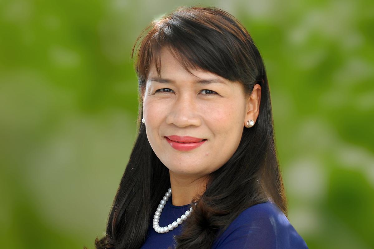 Photographic portrait of Cindy Vo