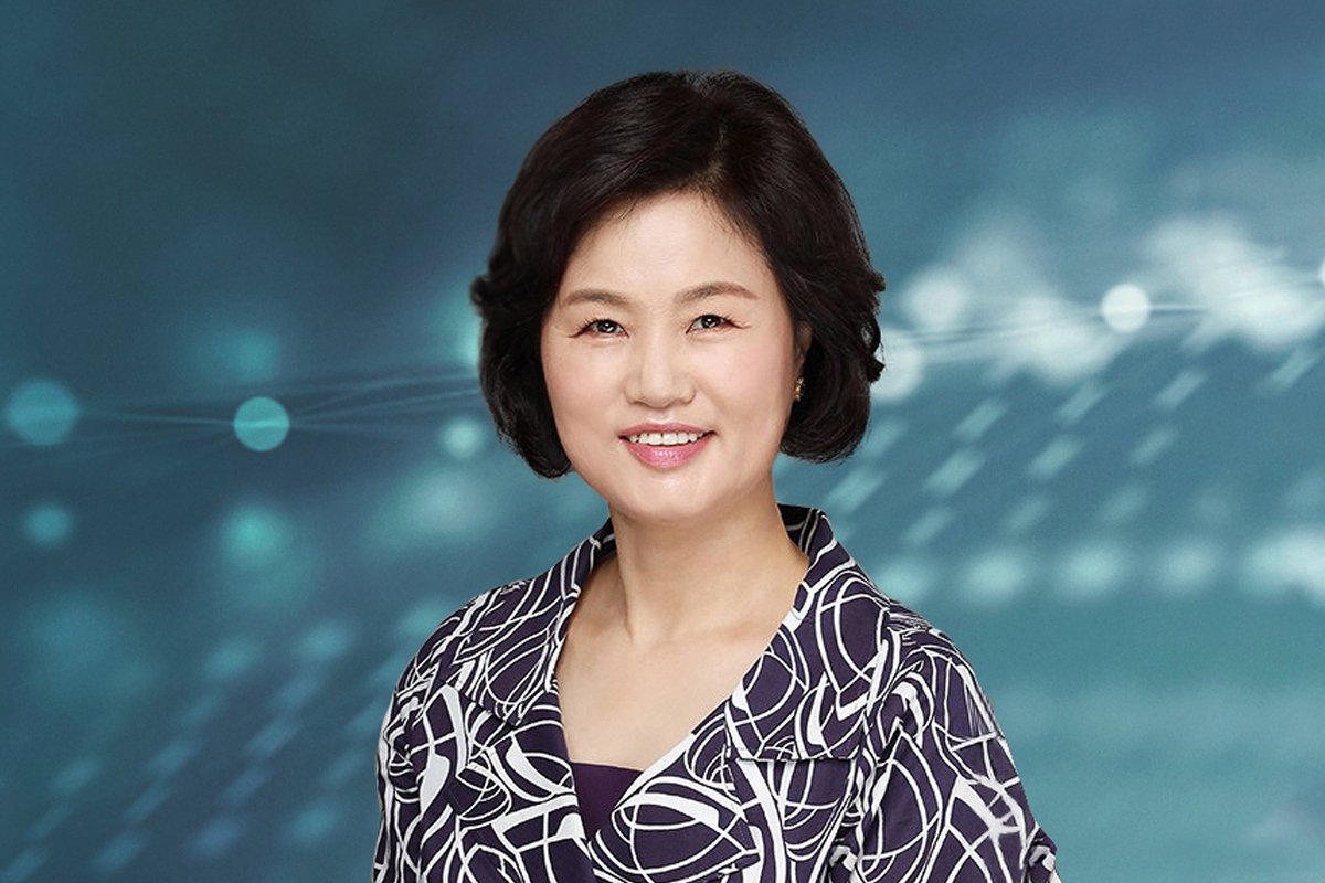 Photographic portrait of Hyun Oak Han (Helen)