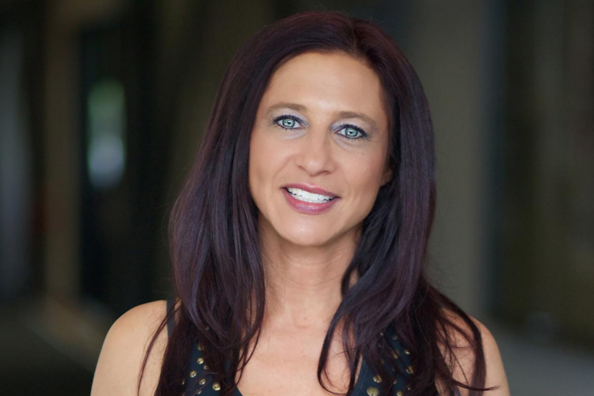 Photographic portrait of Sharon Rechtman
