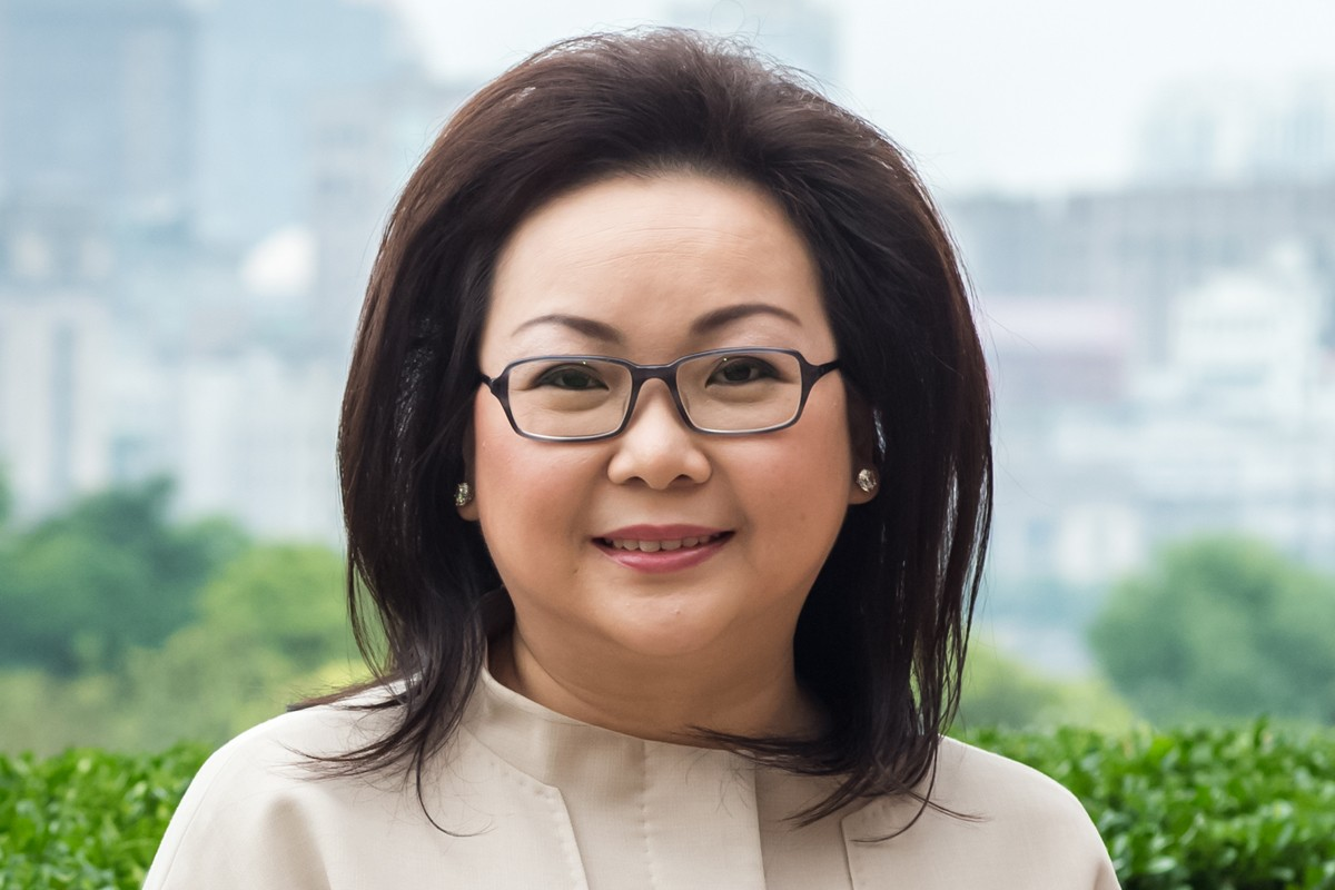 Photographic portrait of Lisa Mihardja