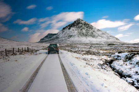 Four wheel drive vehicle in winter