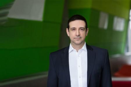 photographic portrait of Dr Evangelos Maximos