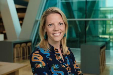 Portretfoto Anne Mieke Holland