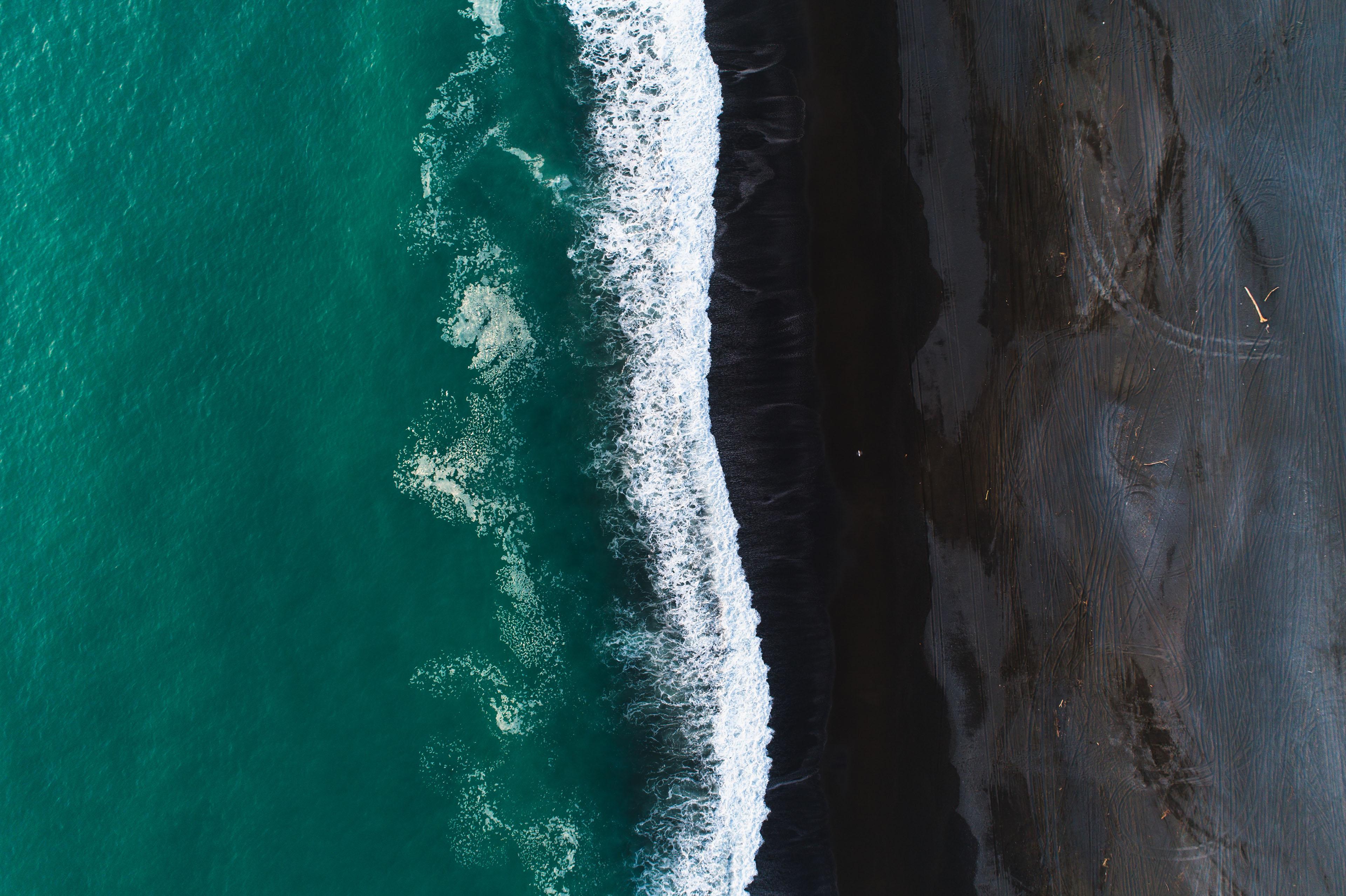 ey-black-sand-waves-nz
