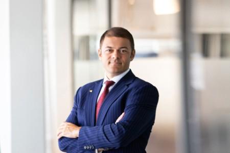 Photographic portrait of Alex Milcev
