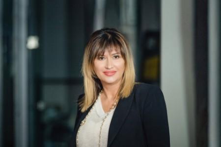 Photographic portrait of Mihaela Mitroi