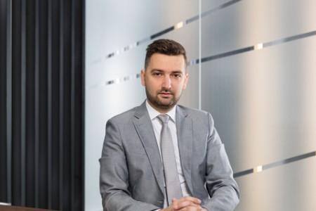 Photographic portrait of Milos Milojevic