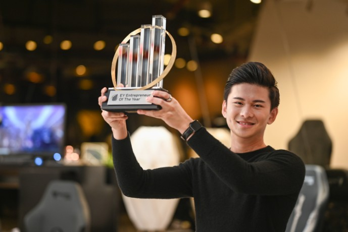 Secretlab's Co-founder and CEO Mr. Ian Ang named EY Entrepreneur Of The Year™ 2020 Singapore