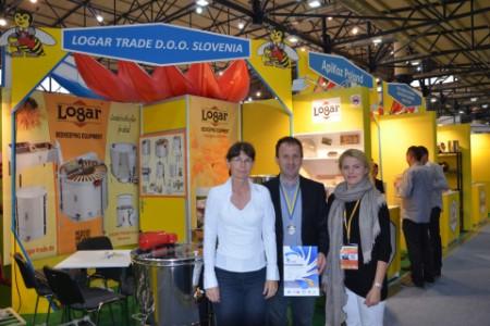 Čebelarski turisti raje na ogled podjetja kot na Bled