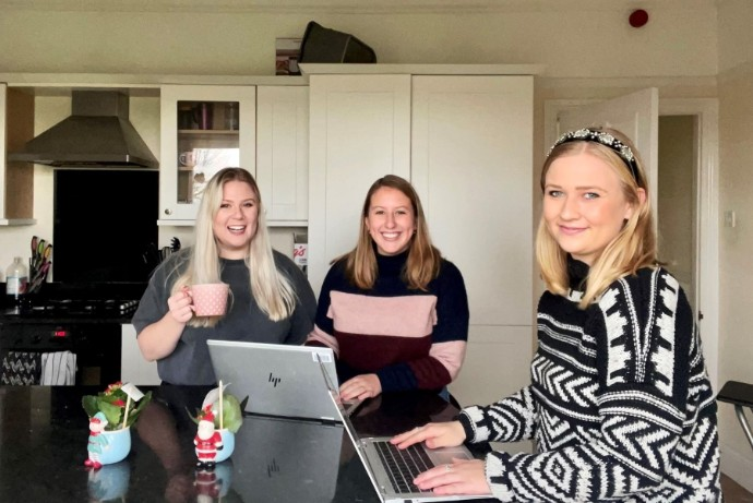 Living with other graduates - working remotely together