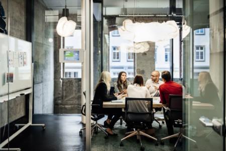 ey-meeting-board