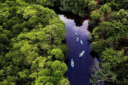 ey-kayat-in-a-river