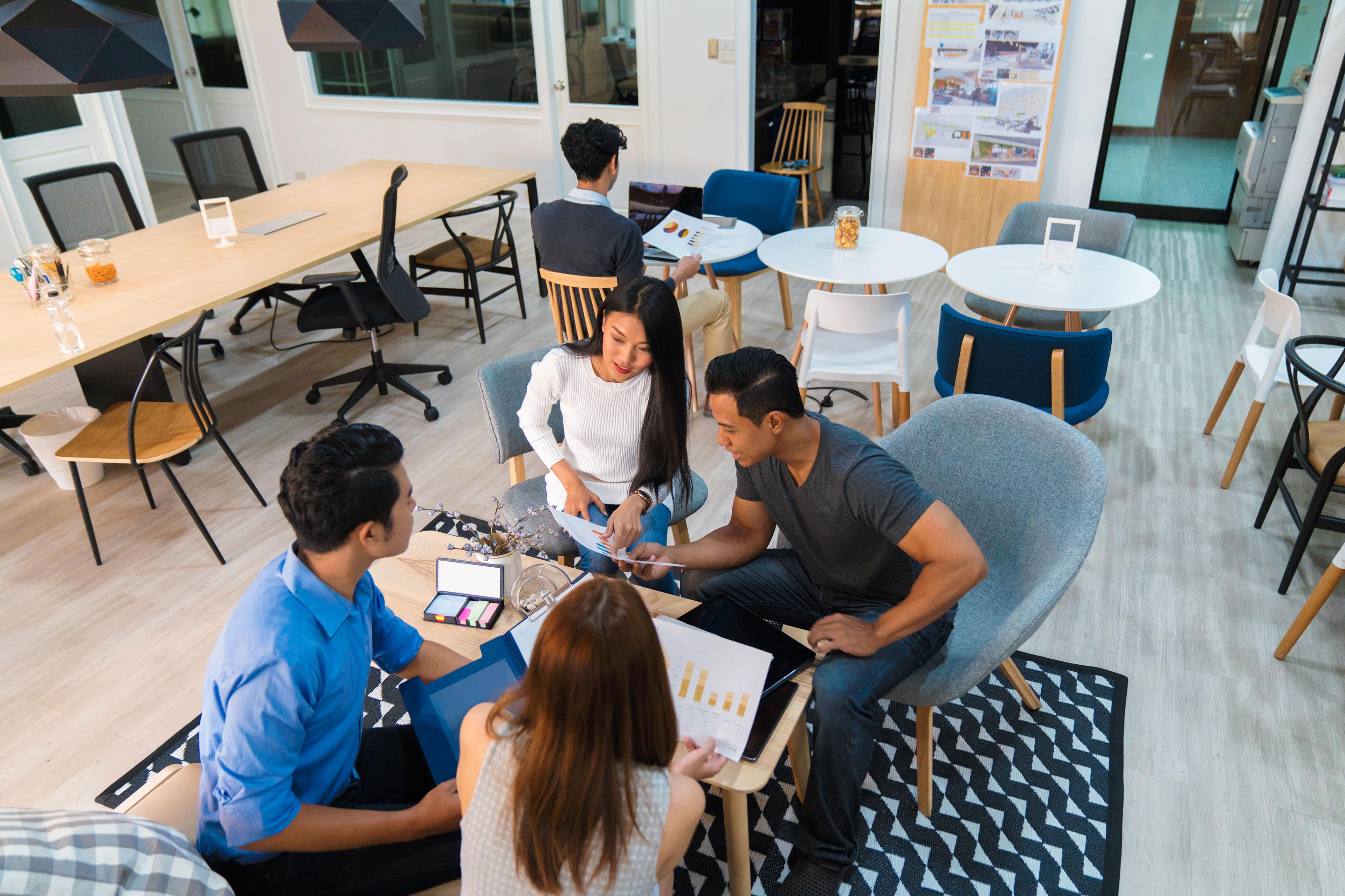 EY - Informal business meeting