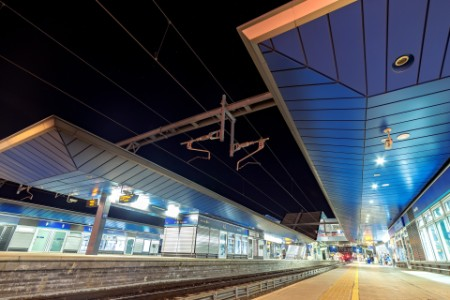 EY Reading train station at night