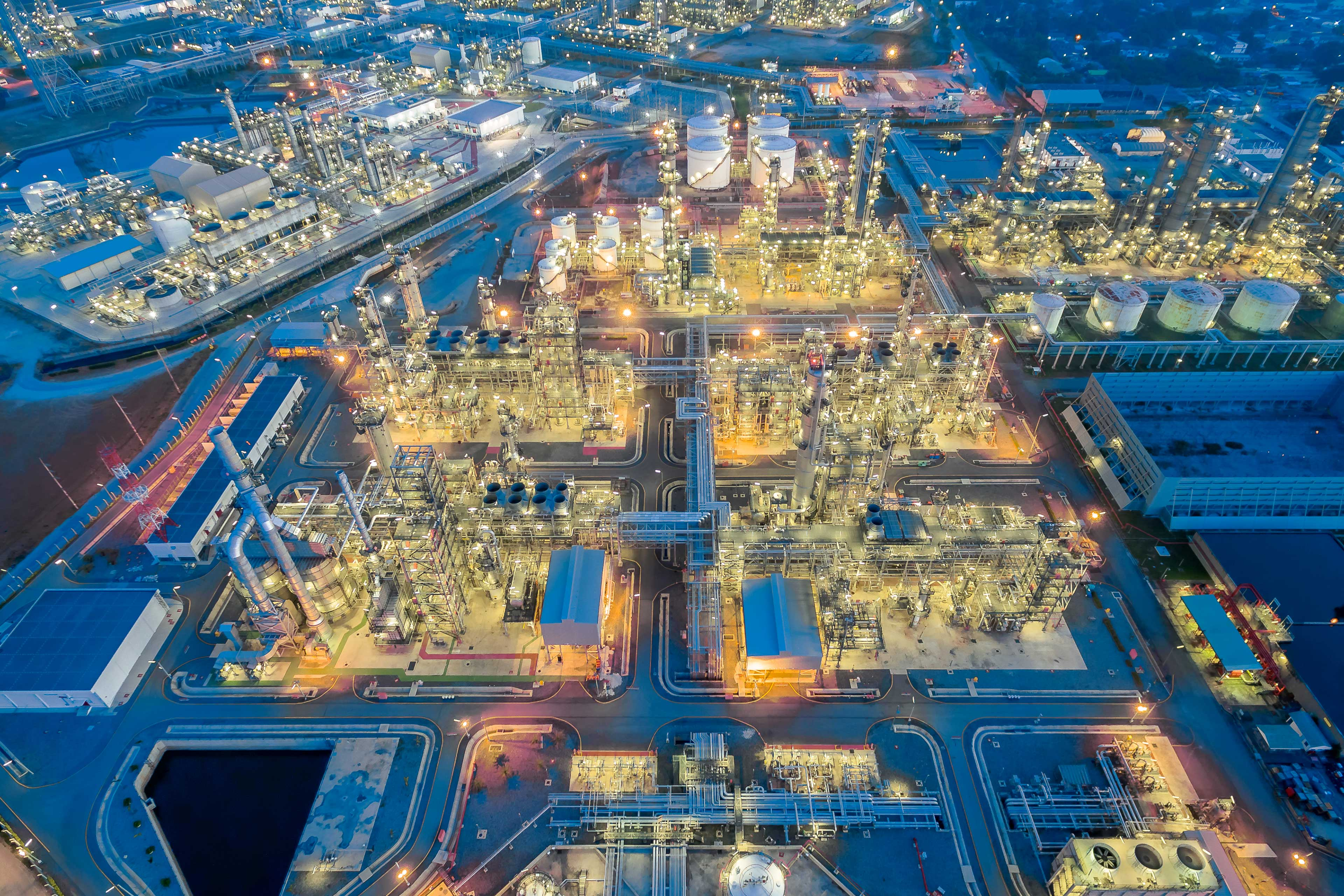 EY - Oil refinery at night, Thailand