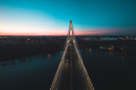 ey-cable-bridge-at-night