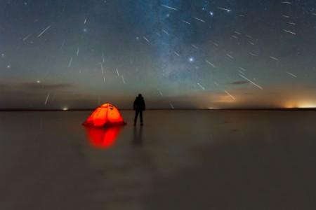 Man watching meteo shower