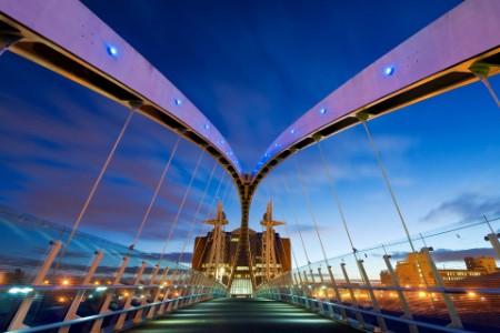 ey-millennium-bridge-manchester-ch4