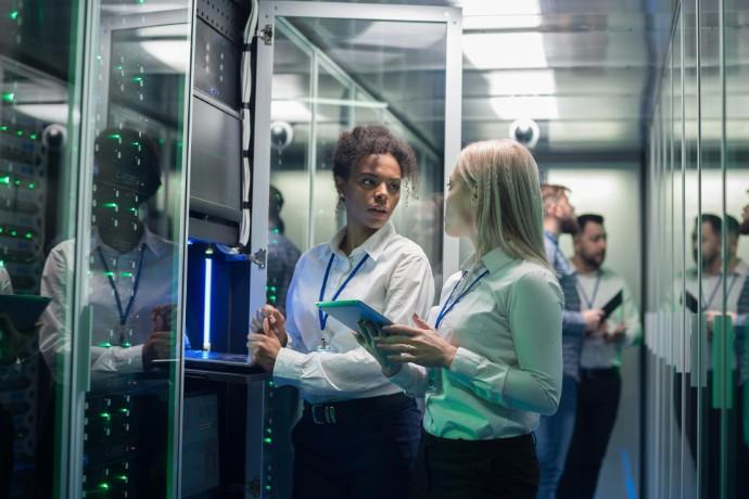 EY amplia ofertas em tecnologia e busca mais especialistas na área