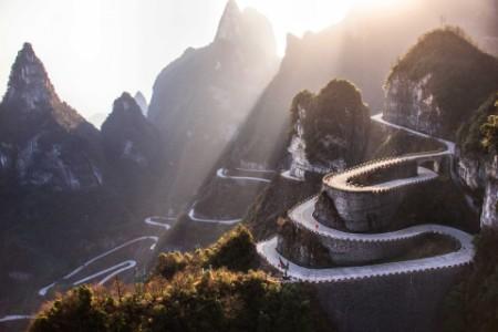 ey-winding-mountian-road