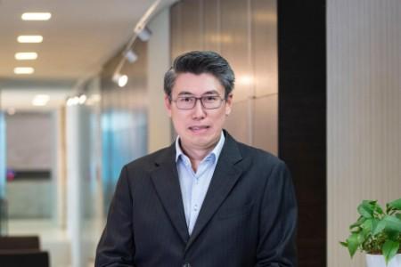 Photographic Portrait of Simon Yeo