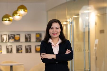 Photographic portrait of  Tu Thi Cam Pham