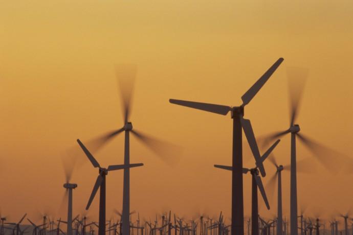 España sube al puesto 11 entre los países más atractivos para la inversión en renovables del mundo