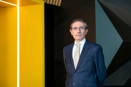 Photographic portrait of Andres Lorrio