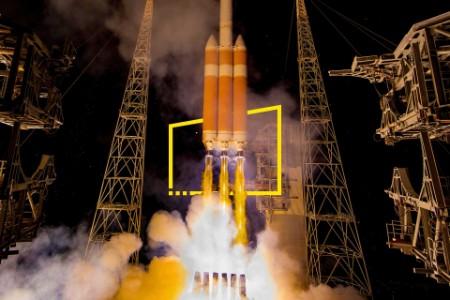 ey-delta-iv-heavy-rocket-launches-solar-probe-static-no-zoom-v2