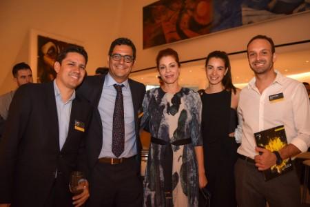 Daniel Guevara, de WND Network, finalista En desarrollo, Nelly Olmedo, Angélica Sánchez, Diego Arriola y Sebastián Mitre, de NxtLab, finalistas En desarrollo