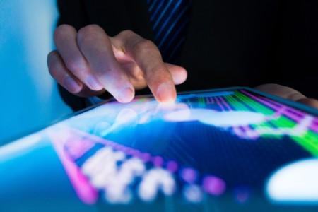 Tőzsdei grafikonok tableten