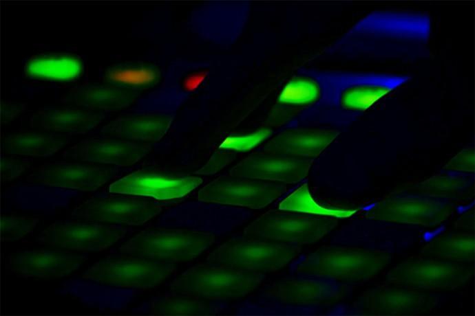 EY調査、テクノロジー企業によるメガディールはコロナ禍にもかかわらず活況
