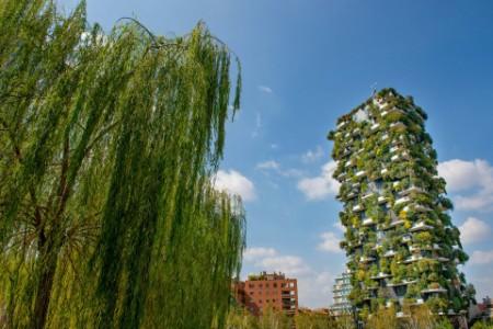 テラスを緑化しているマンション(ミラノ)