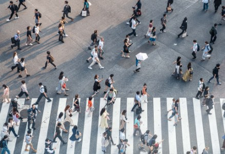 新型コロナウイルス感染症による国内消費者の行動変容に対応するには?EYで調査した日本国内の消費者の行動変容