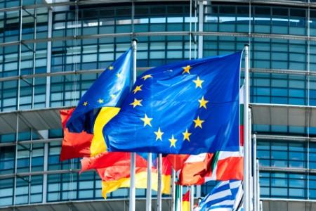 欧州の戦略的な「自立」:米中対立が続く中で注目される「第三極」の動きは?