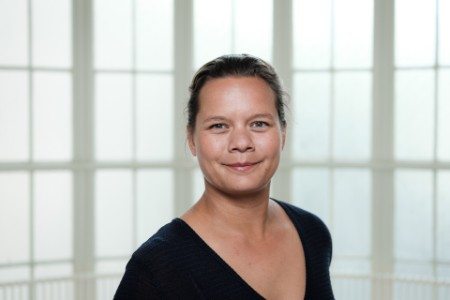 Portretfoto Petra Pleunis