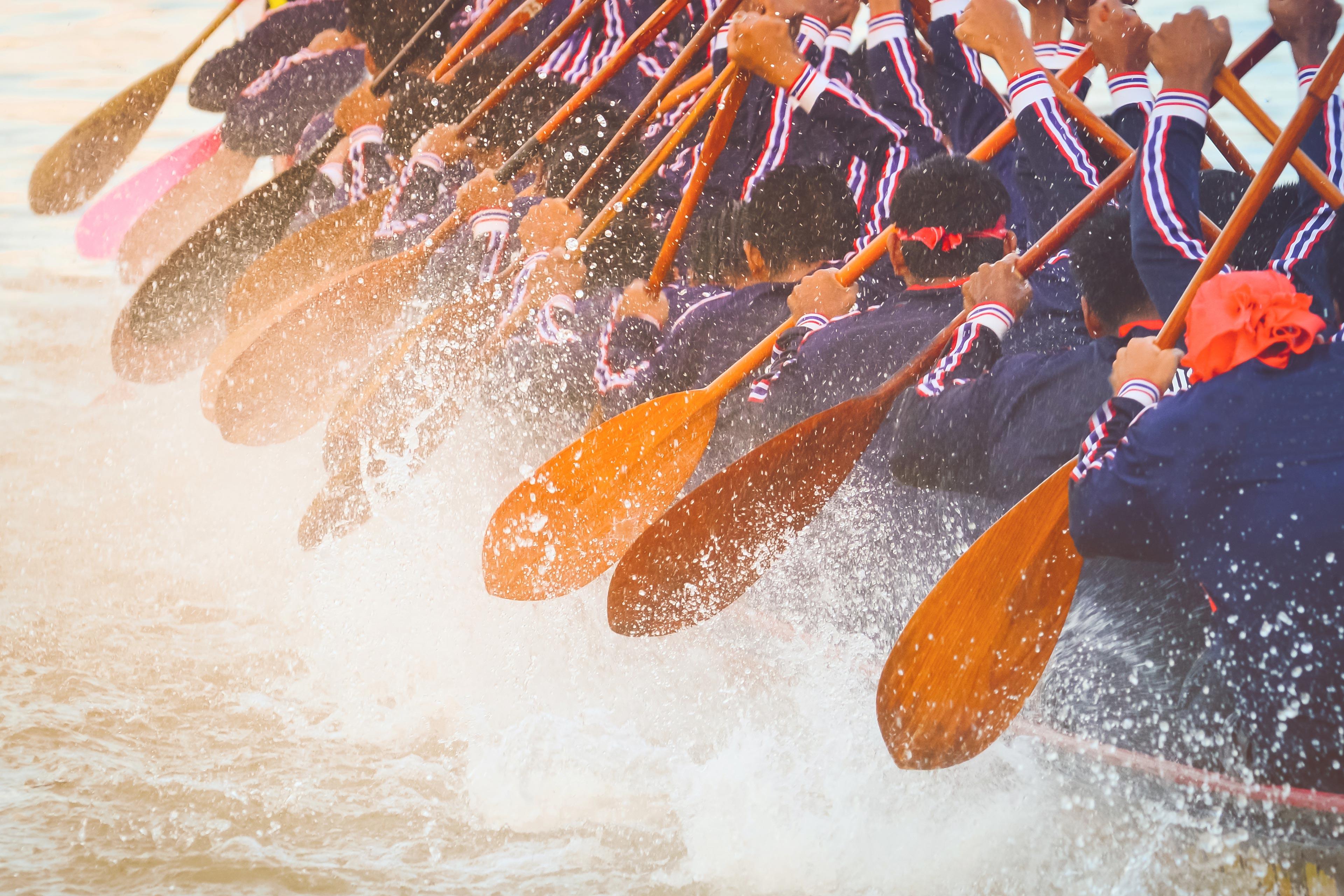 Klanten: De peddels in de kano