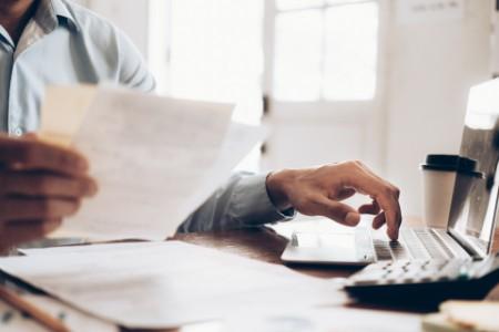 Udsættelse af væsentlige lovinitiativer på skatteområdet