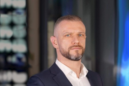 EY - Radosław Bogucki