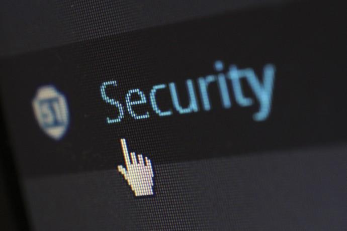 EY anuncia parceria com CrowdStrike e amplia oferta em cibersegurança