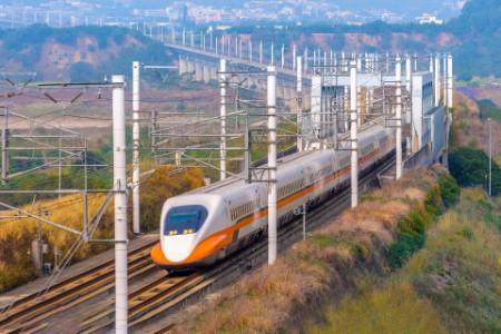 Train passes through the bridge