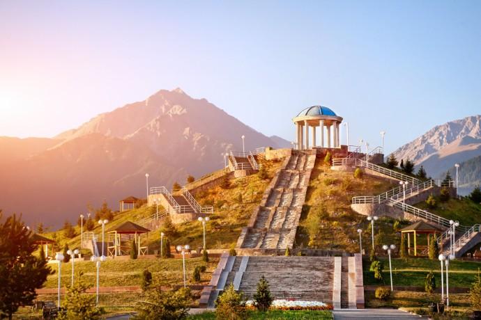 EY объявляет о назначении новых ассоциированных партнеров в Казахстане
